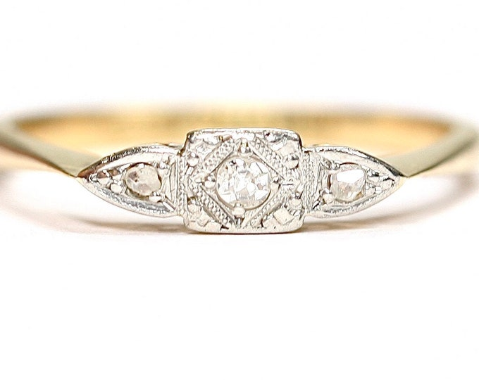Stunning antique Art Deco 18ct gold and Platinum Diamond ring / engagement ring - size N or US 6 1/2