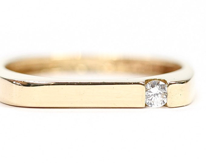 Stunning 14ct yellow gold Cubic Zirconia square ring - fully hallmarked - size Q or US 8