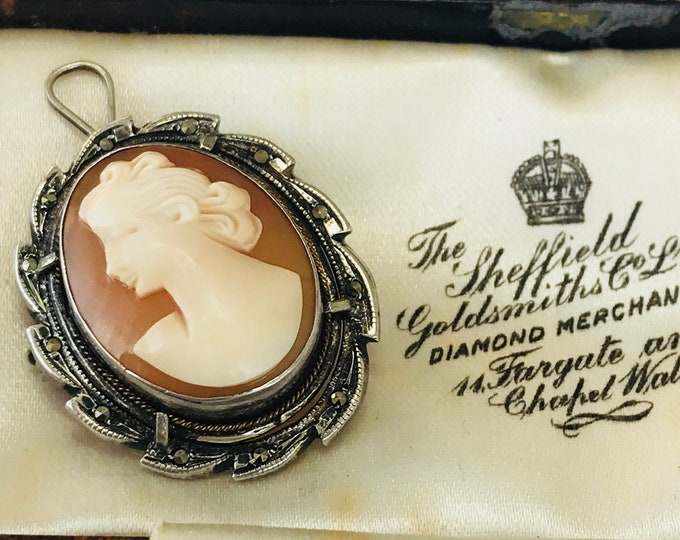 Super vintage 800 silver Cameo brooch / pendant with Marcasite
