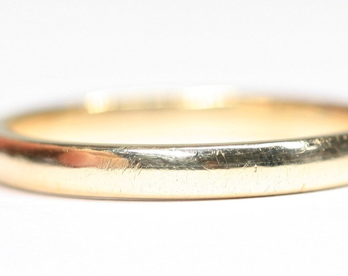 Vintage 9ct yellow gold wedding ring - hallmarked Chester 1943 - size P or US 7 1/2