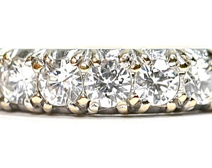 Sparkling vintage 9ct gold Cubic Zirconia ring - hallmarked London 1985 - size K or US 5