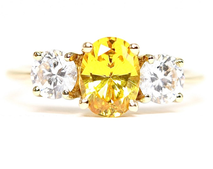 Stunning vintage 14k / 14ct yellow gold Lemon Citrine and Cubic Zirconia ring - fully hallmarked - size Q or US 8