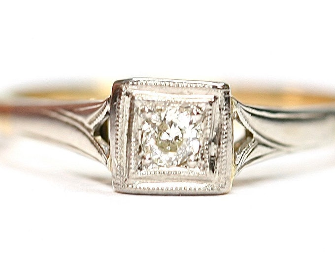 Sparkling antique 18ct gold Diamond ring / engagement ring - size K or US 5 1/4