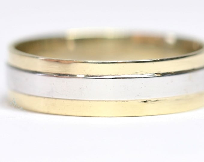 Stunning 9ct yellow and white gold Men's wedding ring - fully hallmarked - size T or US 9 1/2