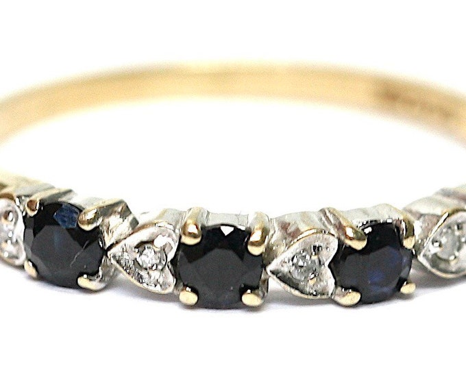 Superb vintage 9ct yellow gold Sapphire and Diamond ring / stacking ring - fully hallmarked - size O or US 7