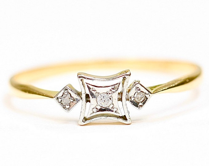 REDUCED ***Fabulous antique Art Deco 18ct gold & platinum Diamond engagement ring - size V / 10.5 - Free resizing available