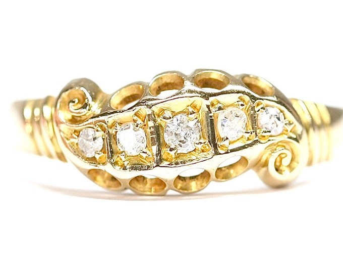Stunning antique 18ct gold Diamond ring - hallmarked Birmingham 1915 - size P or US 7 1/2