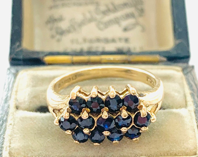 Superb vintage 9ct yellow gold 3 row Sapphire ring - hallmarked London 1979 - size L - 5 1/2