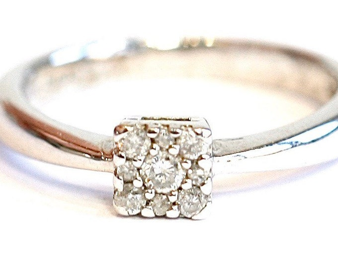 Stunning sparkling vintage 9ct white gold 0.15 carat Diamond ring - fully hallmarked - size K 1/2 or US 5 3/8