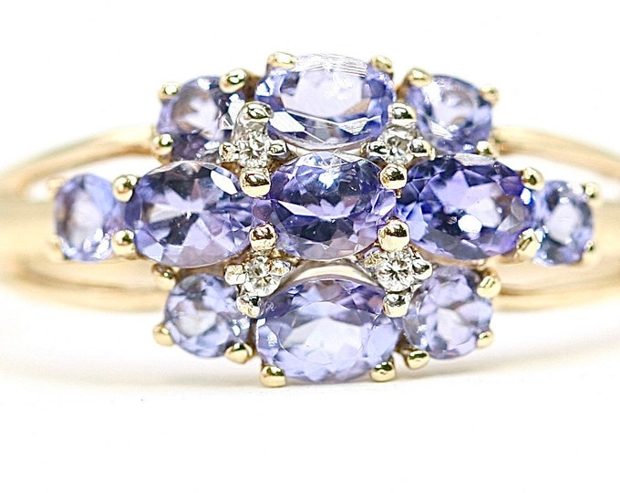 Beautifully sparkling vintage 9ct gold Tanzanite and Diamond dress ring - fully hallmarked - size T or US 9.5