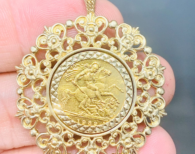 Superb vintage 22ct half Sovereign / 9ct gold mount pendant - 1982