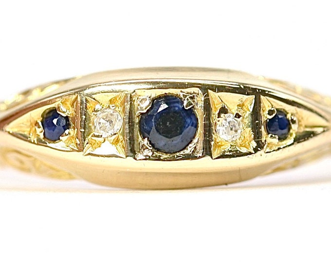 A stunning antique 18ct gold Sapphire and Diamond boat ring - size O or US 7