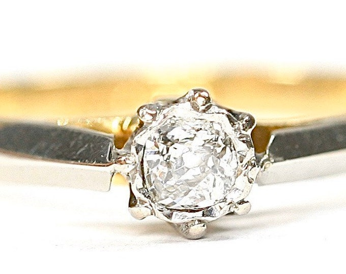 Beautiful antique 18ct gold and Platinum 0.12 diamond solitaire engagement ring - size J or US 4 1/2