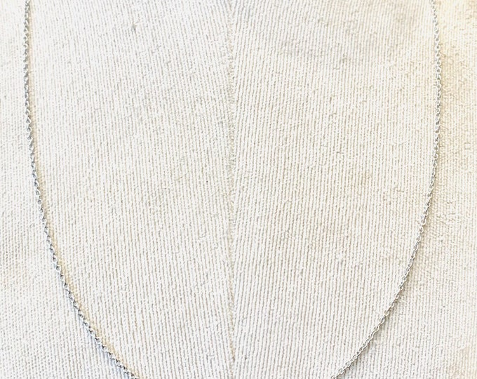 Vintage 9ct white gold 24 inch chain - fully hallmarked - 4.7gms