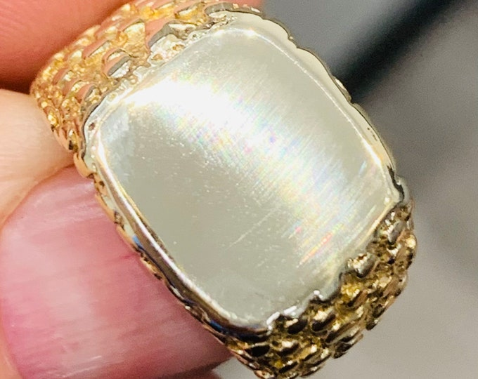 Superb heavy vintage 9ct yellow gold signet or pinky ring - hallmarked London 1978 - size R or US 8 1/2  - 7.4gms