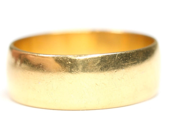 Superb vintage 22ct gold wedding ring - hallmarked Birmingham 1976 - size M 1/2 or US 6 1/4