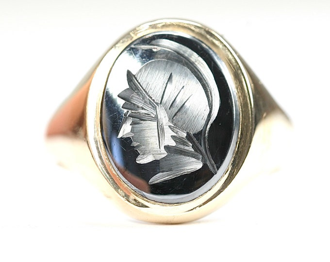 Vintage heavy 9ct yellow gold carved Hematite signet or pinky ring- hallmarked London 1970 - size T or US 9 1/2
