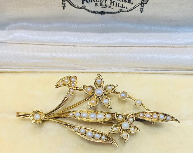 Stunning antique 15ct yellow gold seed pearl floral brooch - original presentation box