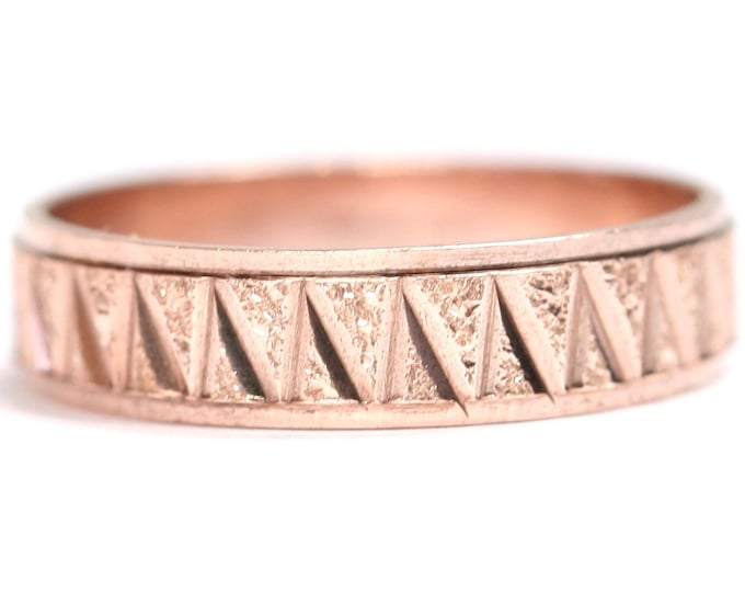 Vintage 9ct rose gold diamond cut wedding ring / band - fully hallmarked - size P or US 7 1/2