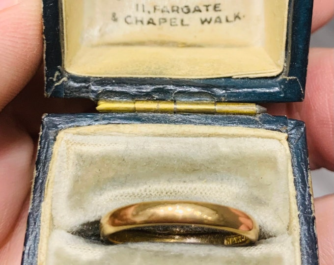 Superb antique Sheffield Goldsmiths Company 'HARMONY' 22ct gold ring in its original SGC Ltd ring box - hallmarked 1937 - size M or US 6