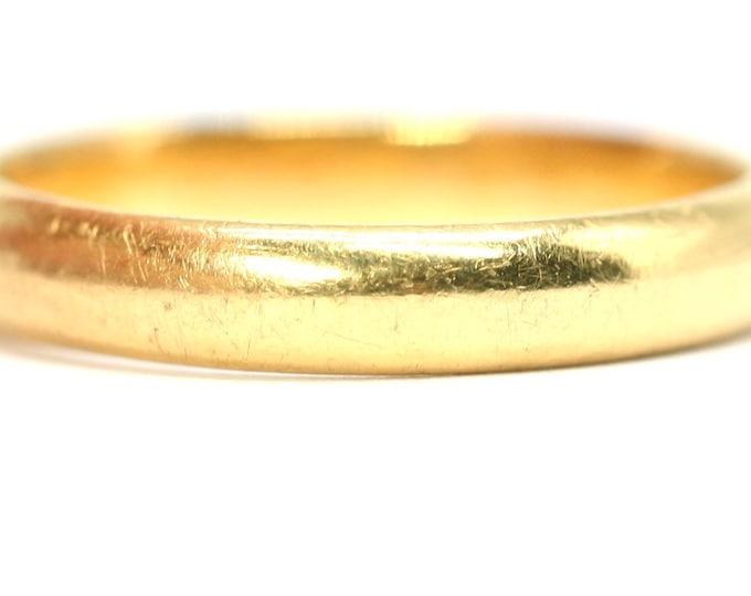 Superb vintage 22ct gold wedding ring - hallmarked Birmingham 1956 - size M or US 6 - 3,7gms