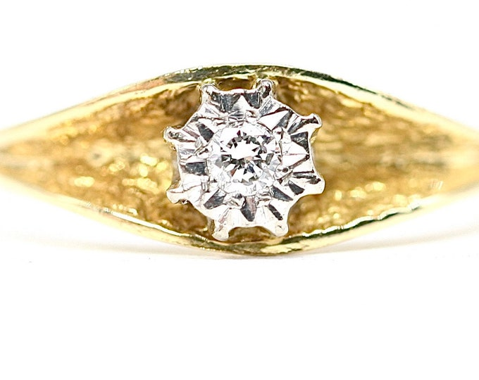 Superb vintage 18ct yellow gold Diamond solitaire ring / engagement ring - hallmarked Birmingham 1978 - size N 1/2 or US 6 3/4