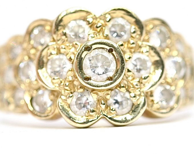 Superb sparkling vintage 9ct yellow gold Cubic Zirconia cluster ring - fully hallmarked - size M or US 6