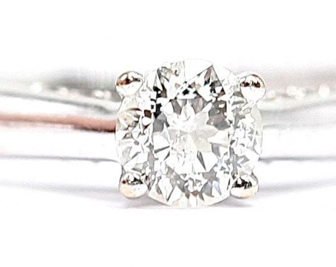 Superb 18ct gold 0.45 diamond engagement ring - fully hallmarked and with IGI report. Certified Diamond number F6E82971 - size J / US 4.5