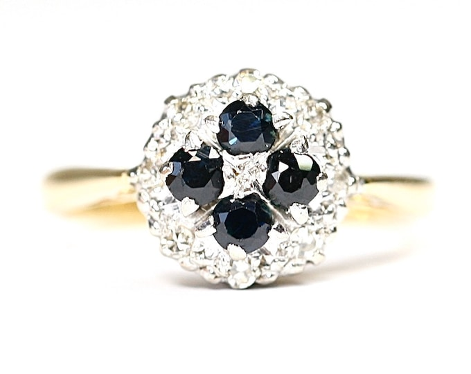 Beautifully sparkling  vintage 18ct gold Sapphire and Diamond cluster ring - hallmarked Birmingham 1994 - size L or US 5 1/2