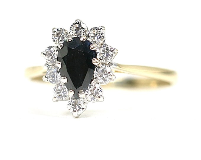 Sparkling vintage 9ct yellow gold Sapphire and Cubic Zirconia dress ring - hallmarked London 1986 - size O or US 7