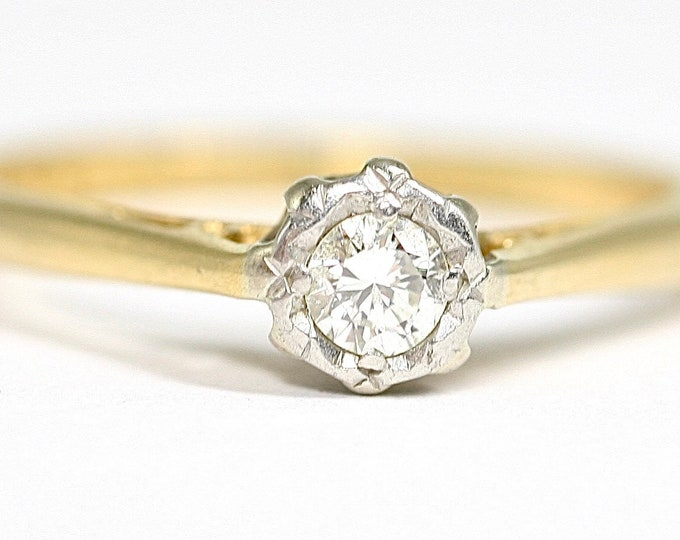 Superb antique 18ct gold 0.10 Diamond engagement ring - stamped 18CT - size L or US 5 1/2