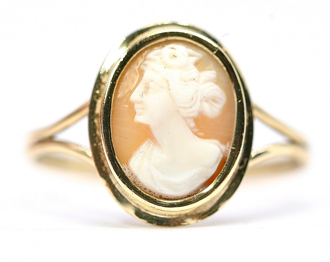 Superb antique 18ct gold Cameo ring - stamped 18K - size R or US 8.5