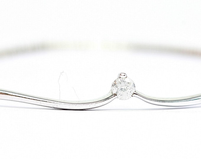 Superb vintage 9ct white gold 7 1/2 inch diamond bangle - fully hallmarked