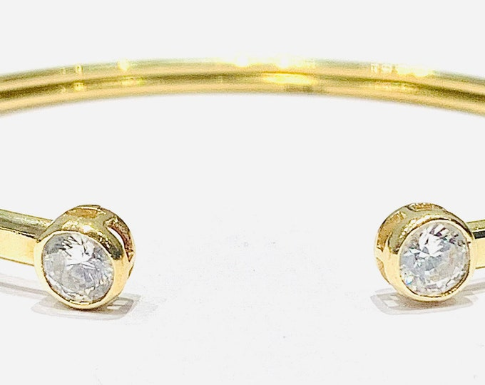 Superb vintage 9ct gold 7 1/2 torque bangle with Cubic Zirconia finials - fully hallmarked