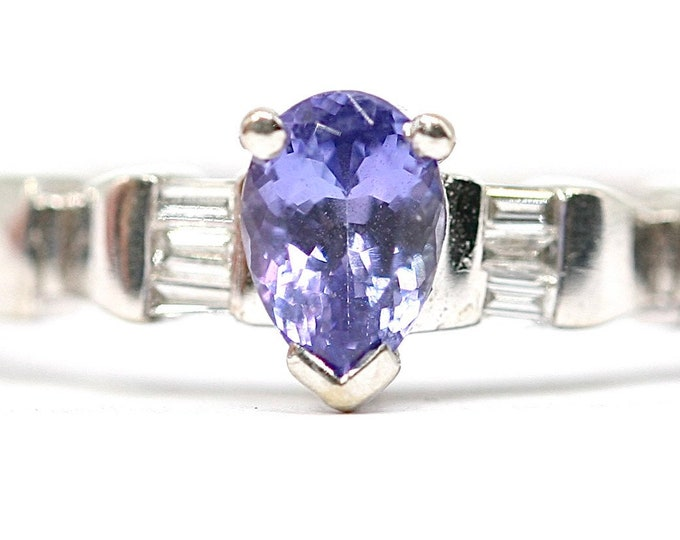 Superb vintage 18ct white gold Tanzanite and Diamond dress ring - fully hallmarked - size N or US 6.5