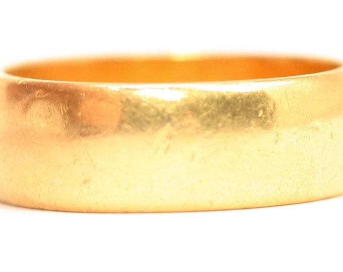 Superb heavy vintage 22ct gold wedding ring - hallmarked Sheffield 1962 - size K 1/2 or 5 1/4 - 6.5gms