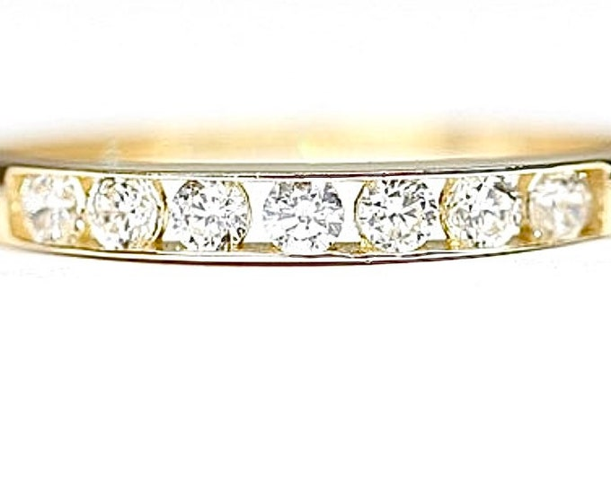 Superb vintage 9ct yellow gold Cubic Zirconia ring - fully hallmarked - size P or US 7.5