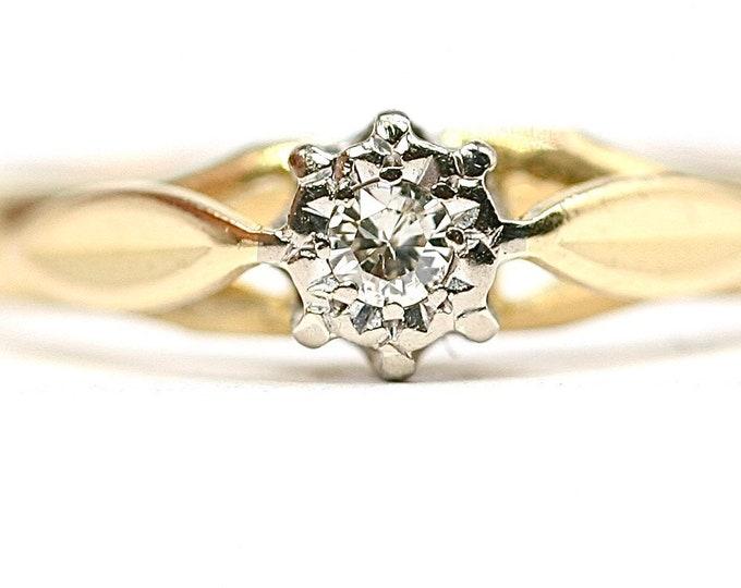 Stunning vintage 18ct gold Diamond engagement ring - hallmarked London 1968 - size L or US 5.5