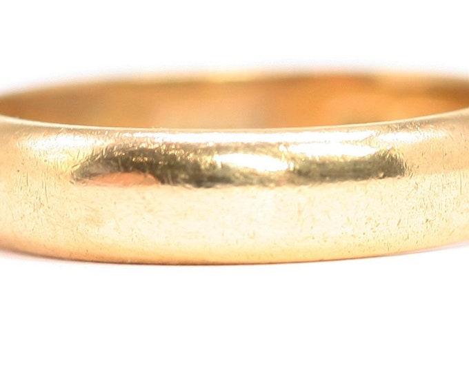 Superb vintage 22ct gold wedding ring - hallmarked London 1958 - size P or US 7.5 - 5.5gms