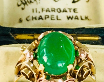 Beautiful vintage 14ct yellow gold Jadeite statement ring - fully hallmarked