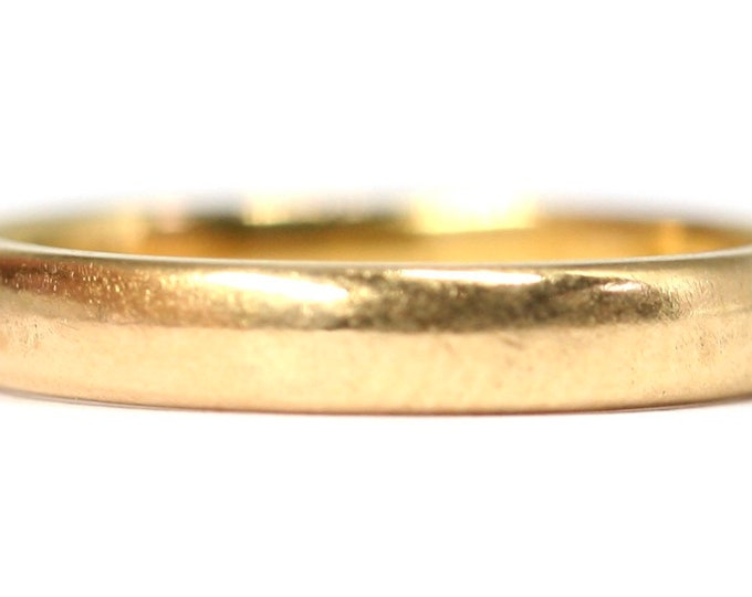 Vintage 22ct gold wedding ring - hallmarked London 1964 - size M or US 6