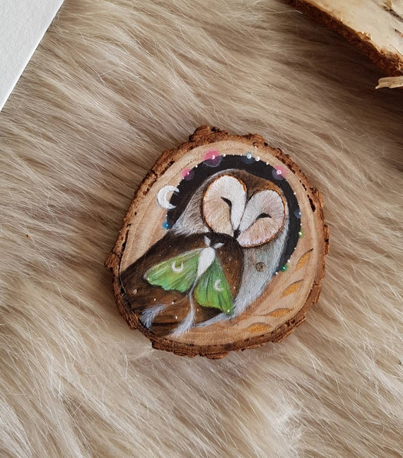 Original painting owl and moth, painted wood slice, art barn owl, animal spirit, painting on wood, gift idea