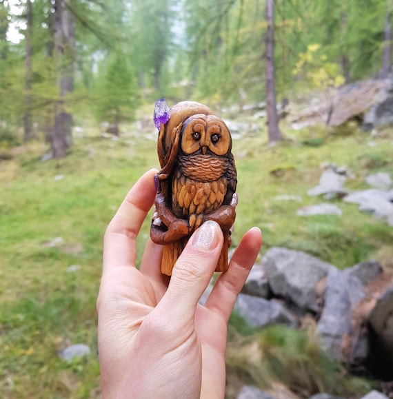 Sculpture wood barred owl, owl with crystals of amethyst, animal spirit, handmade, painted sculpture