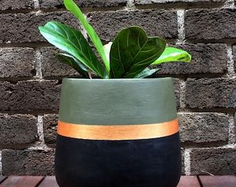 Hand-painted lightweight indoor plant pot khaki black gold