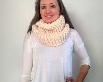 Chunky Knit Infinity Scarf, Infinity Scarf, Knitted Scarf Fisherman