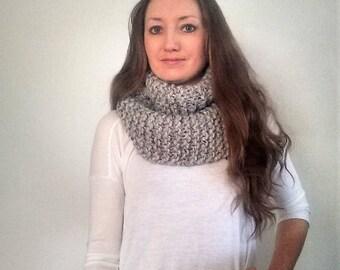 Knit Infinity Scarf, Gray Wool Knit Scarf, Knitted Scarf, Chunky Infinity Knit Scarf, Mobias Scarf, Circle Scarf, Grey Marble