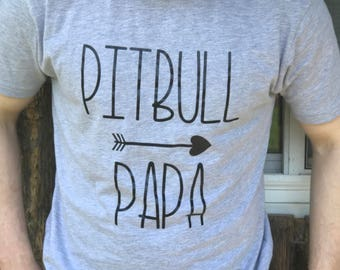 7188985e Pitbull papa, pitbull dad,pitbull tshirt, pitbull dad shirt, pitbull dad, pitbull  shirt, Father's Day, pitbull, pitbull love, boyfriend gift