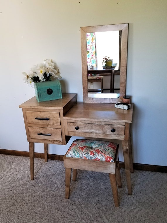 Mid Century Modern Makeup and Vanity Table with Inset ...
