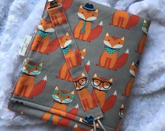 Fox waterproof changing mat & pacifier clip
