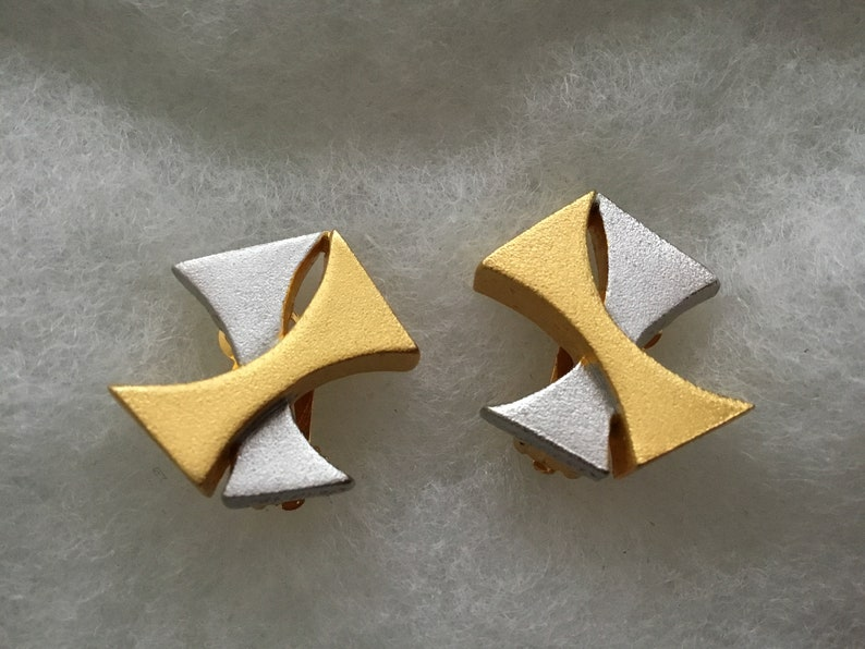 Vintage Retro Modernist Lee Wolfe SIGNED Clip On Earrings Gold Silver tone